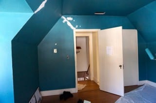 The bold teal color already gives the 'Dream Office' a 'wow' effect. Photo credit: Ronni Newton