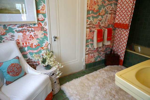 Guest bath by Nancy Perkins from Design Source.2015 Junior League Decorator Show House. Photo credit: Ronni Newton