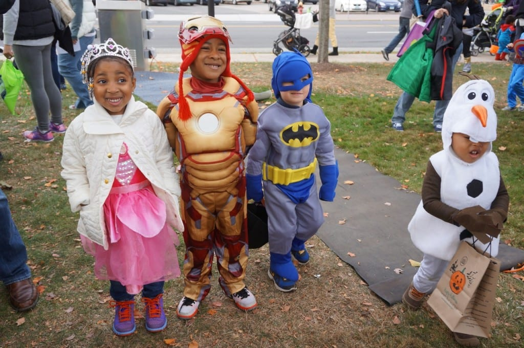 West Hartford Halloween Stroll. Oct. 24, 2015. Photo credit: Ronni Newton