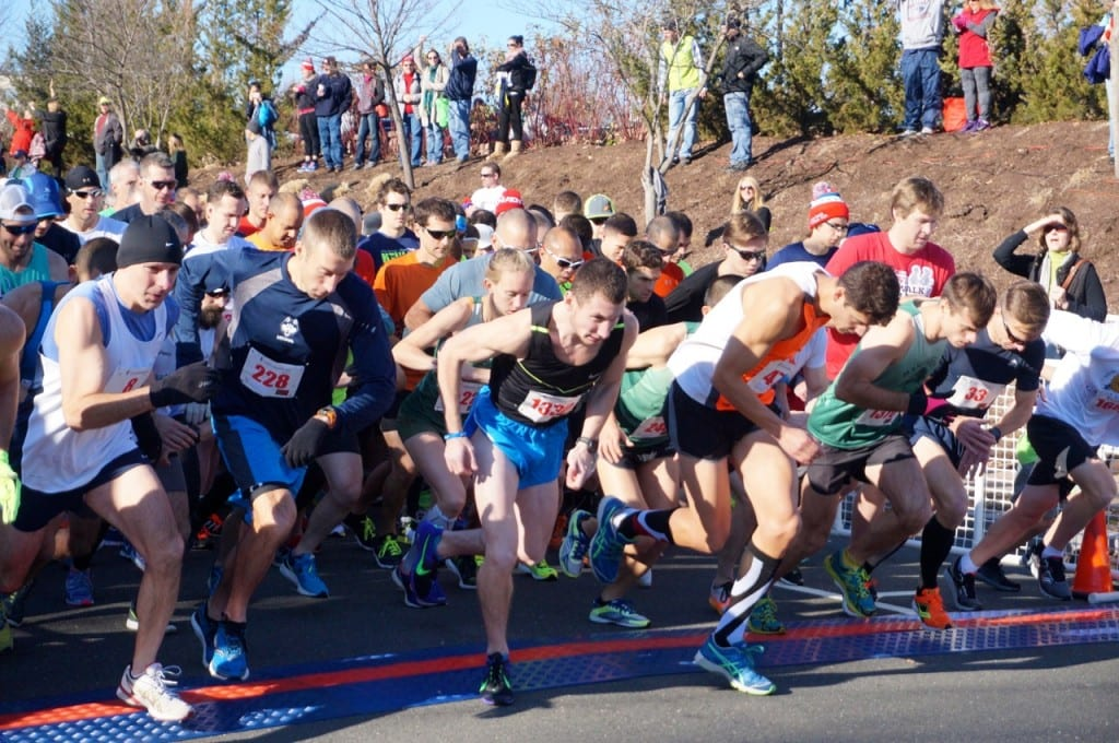 And they're off ... HMF Blue Back Mitten Run, West Hartford, Dec. 6, 2015. Photo credit: Ronni Newton
