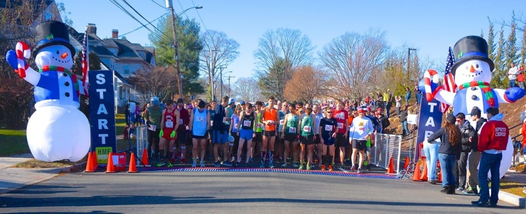 Runners line up for the start. HMF Blue Back Mitten Run, West Hartford, Dec. 6, 2015. Photo credit: Ronni Newton