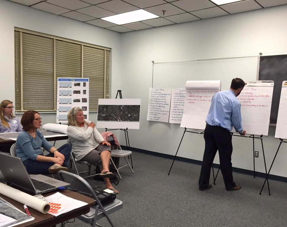 Fuss & O'Neill Project Manager Matt Skelly takes note of resident comments at a planning and design workshop focused on the New Park Avenue corridor. Photo credit: Ronni Newton