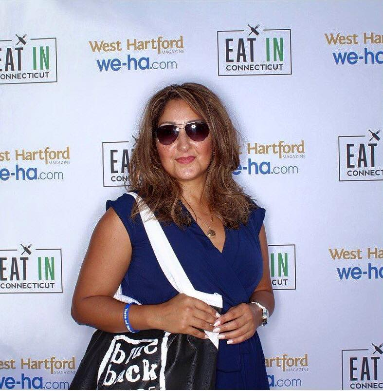Connecticut based fashion and lifestyle blogger Rosa Diana at Taste of Blue Back Square & The Center on July 27, 2016. photo by SnapSeat Photo Booth
