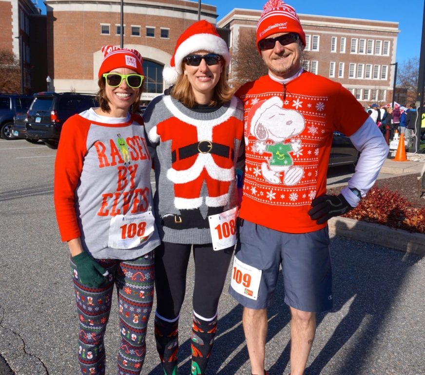 HMF Blue Back Mitten Run, West Hartford, Dec. 4, 2016. Photo credit: Ronni Newton