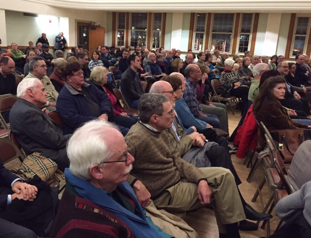 A crowd of approximately 200 attended a town hall meeting with Hartford Mayor Luke Bronin in West Hartford. Photo credit: Ronni Newton