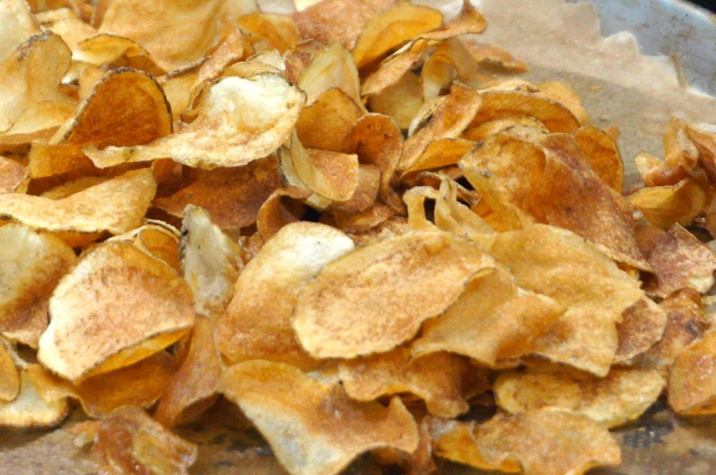 House-made 'Zest chips' are served as an accompaniment to sandwiches. Photo credit: Ronni Newton