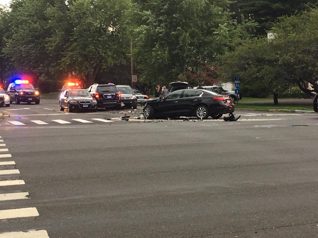 Updated] Several Injured in Multi-Vehicle Wreck at Albany