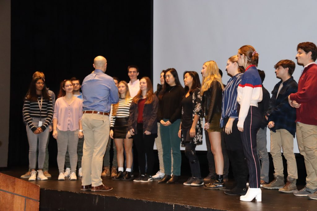Veterans Day Assembly At Kingwood Oxford Honors Those Who Serve We Ha West Hartford News